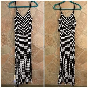Missing Black and White Maxi Dress